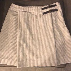 Boden cream jumbo corduroy kilt skirt!